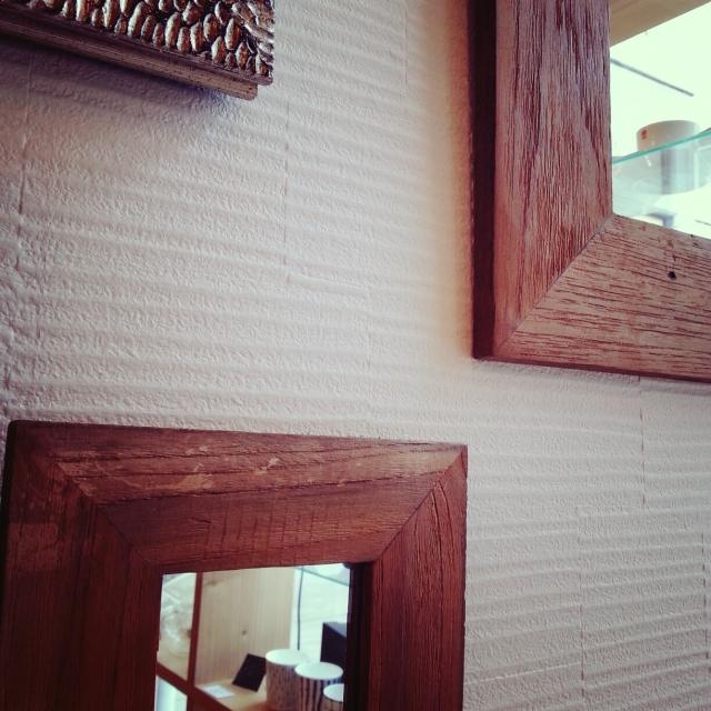 自然素材の塗り壁は、ビニールクロスの何倍高い?